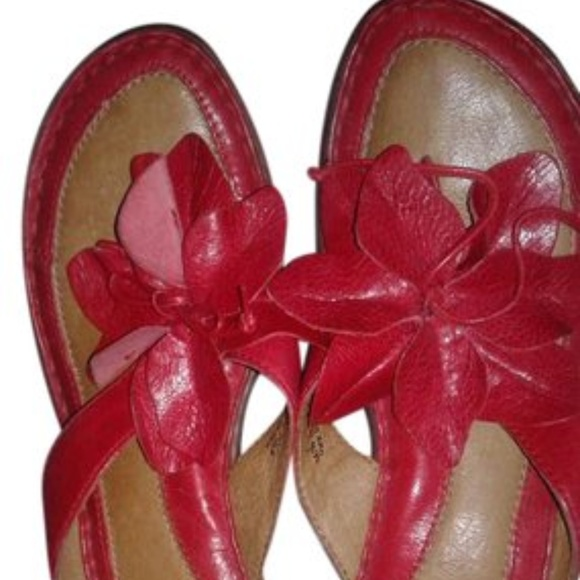 505793d657ca Born Shoes - Børn Red Leather Flower Thong Sandals - Wedges